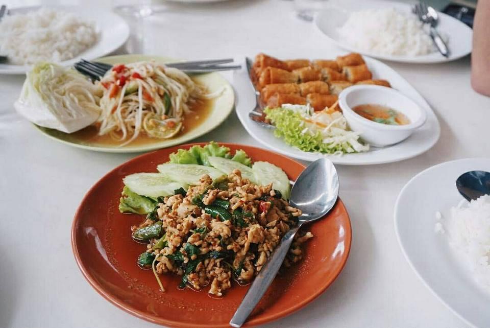 foods-boat-bakery-pattaya-tours2