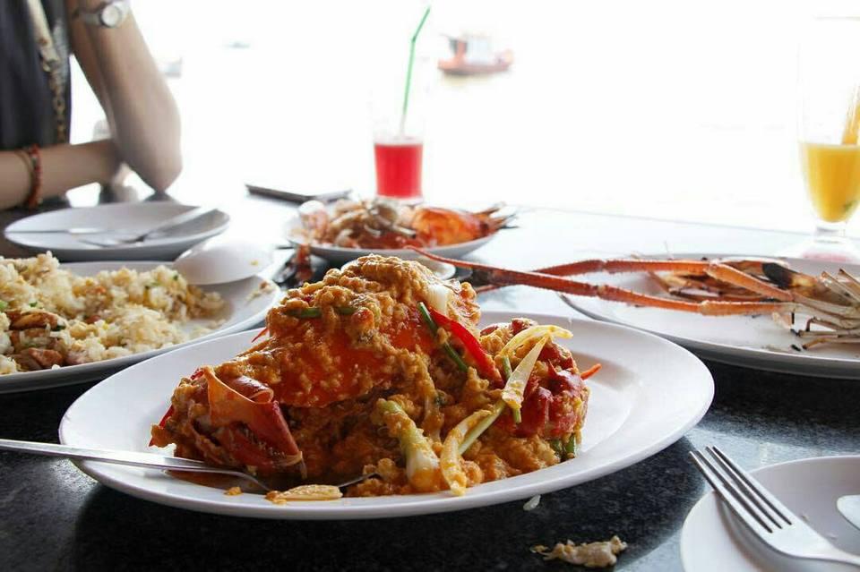 foods-moom-aroi-restaurant-pattaya-tours