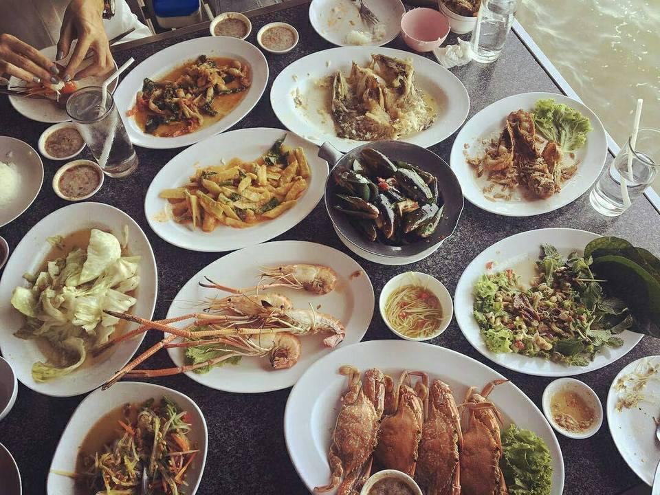foods-moom-aroi-restaurant-pattaya-tours2