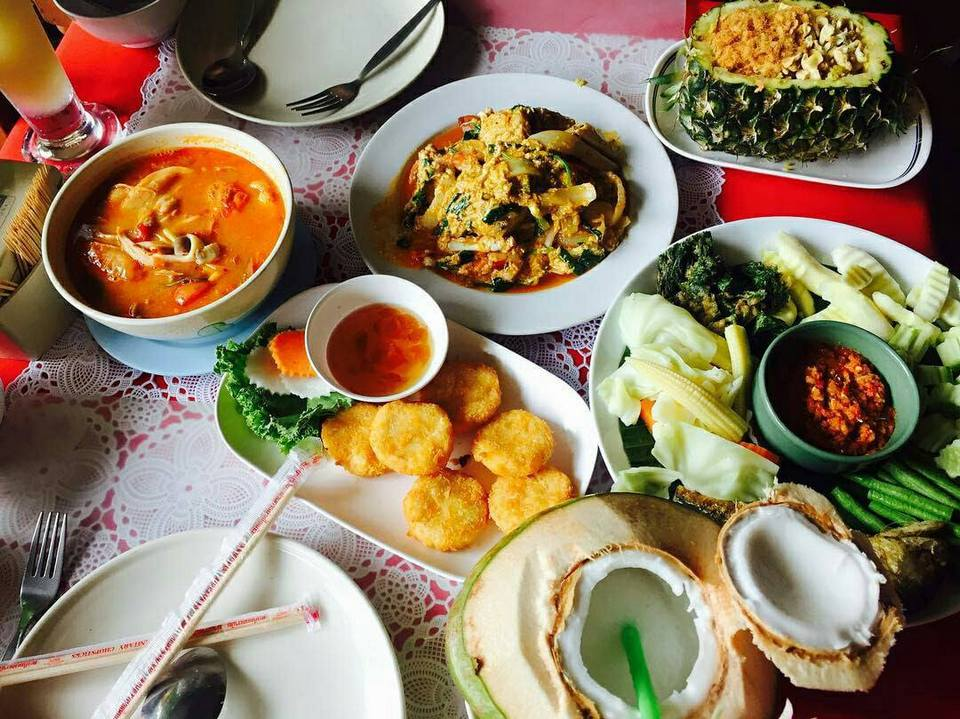 foods-ruenthai-restaurant-pattaya-tours2
