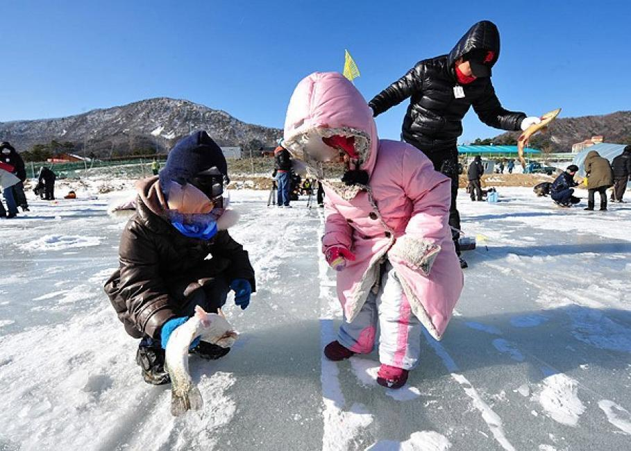 go fishing-in-winter-korea4