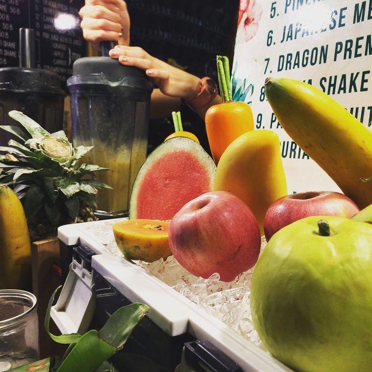 juice-drinks-Flying-vegetable-restaurant-pattaya-tours3