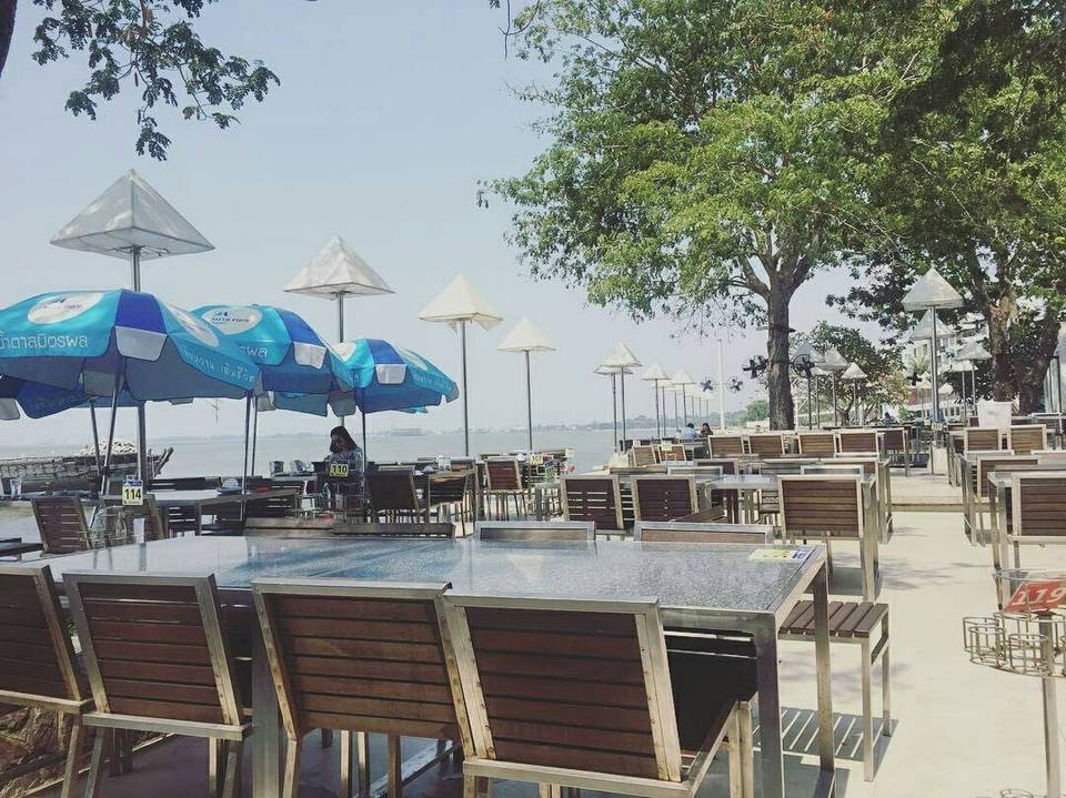 moom-aroi-restaurant-pattaya-tours3 top restaurants in pattaya cheap restaurants in pattaya best restaurants in pattaya