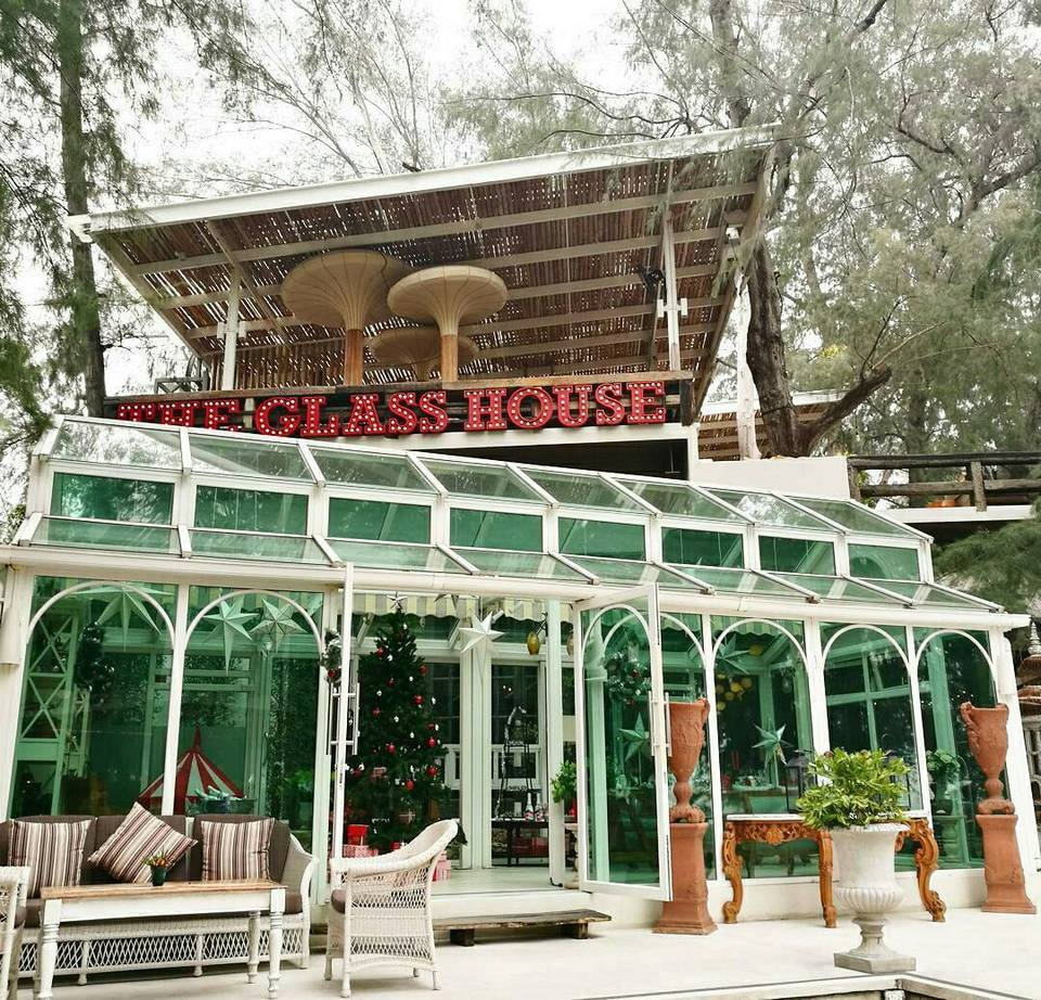 the-glass-house-restaurant-pattaya-tours2