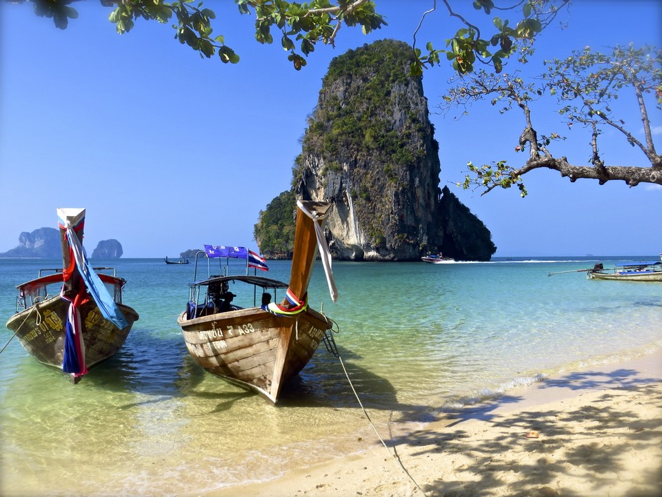 PhraNang Beach-raily3