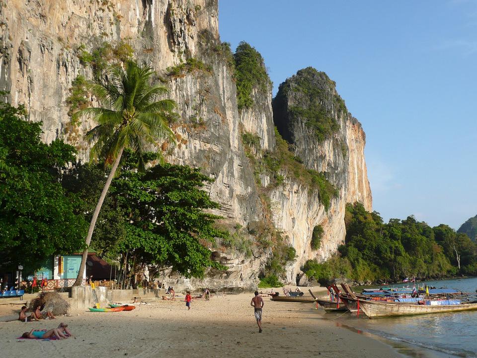Tonsai beach-thailand3