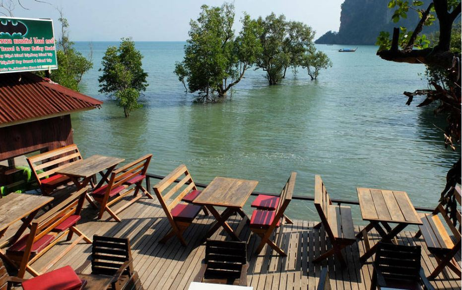 last-bar-railay1