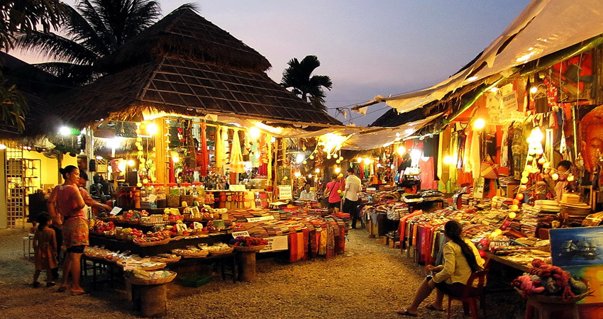 Angkor Night Market 1 shopping in siem reap what to buy in siem reap siem reap souvenirs