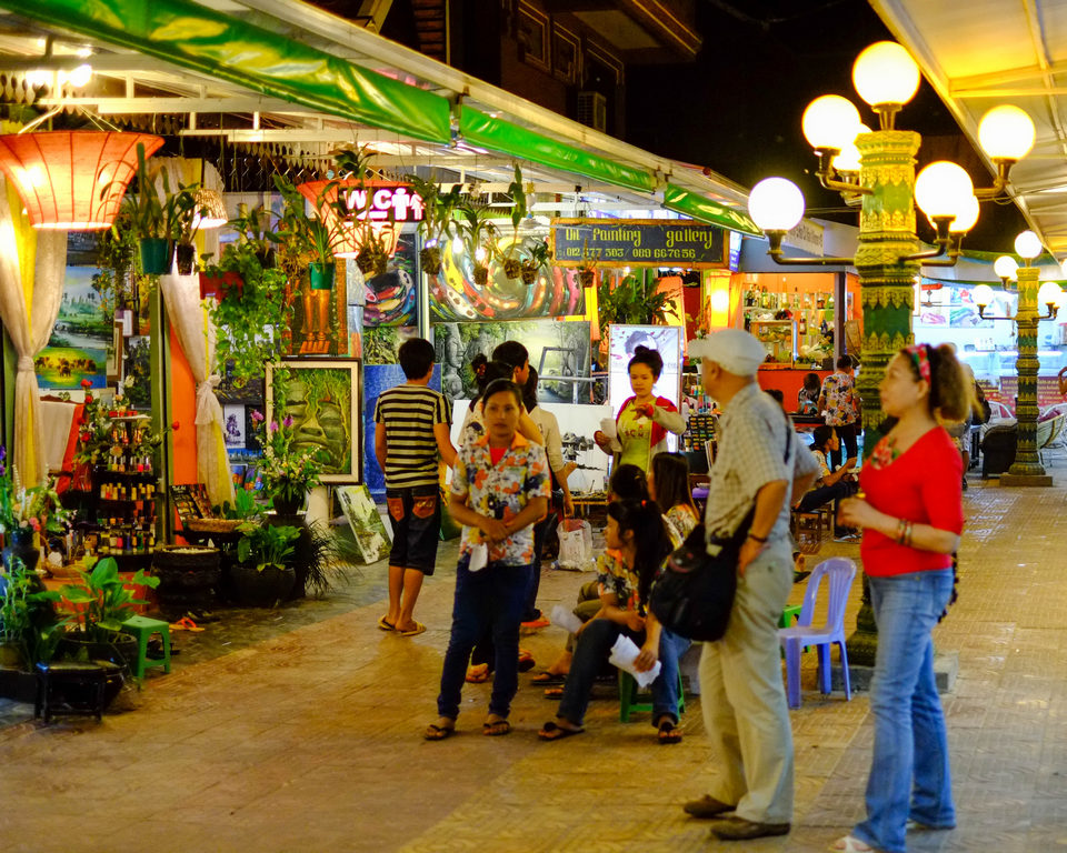 Angkor Night Market 6 shopping in siem reap what to buy in siem reap siem reap souvenirs