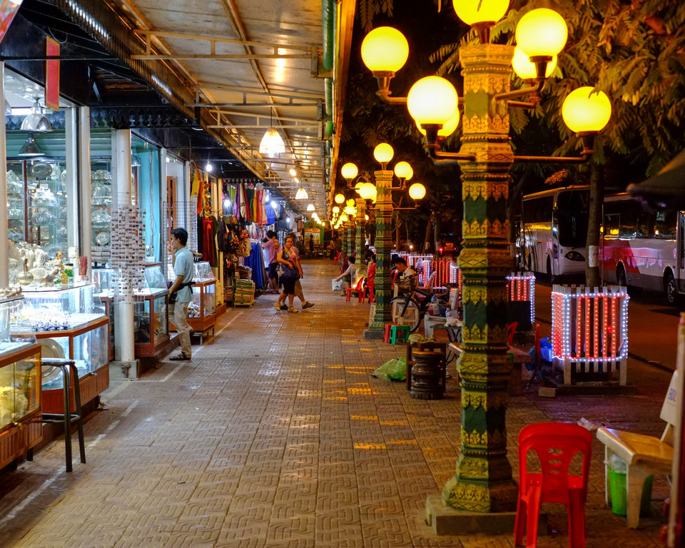 Angkor Night Market 7