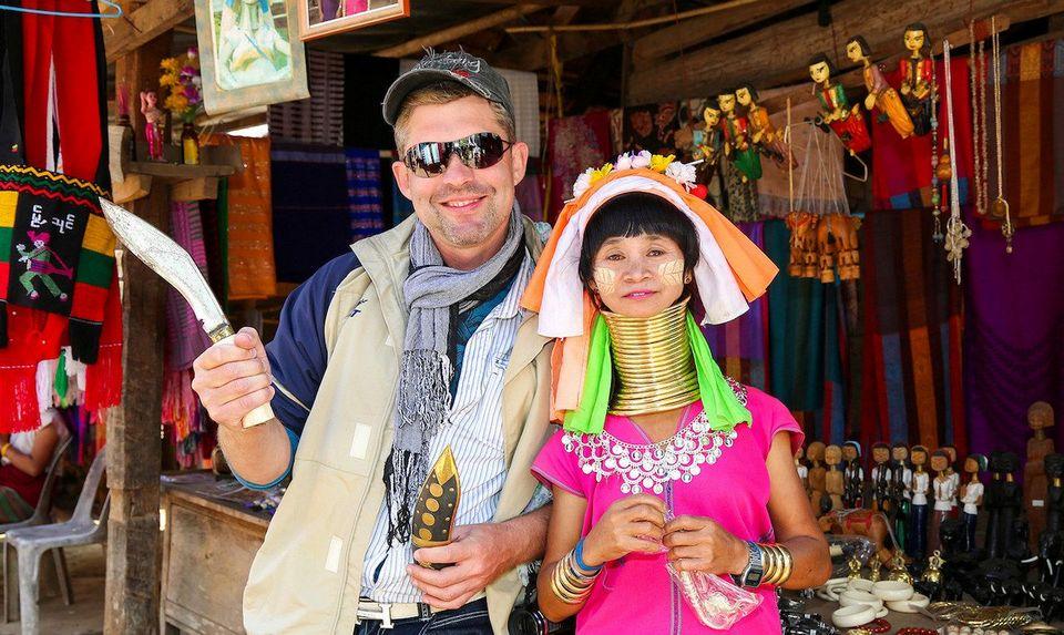 Karen Long Neck Village-chiang rai2 Image by: chiang rai travel guide.