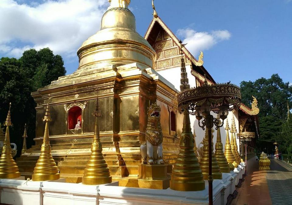 Wat-Phra-Singh-chiang rai1 Photo by: chiang rai travel blog.