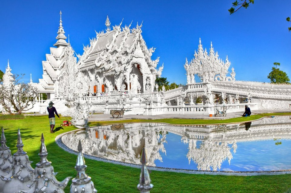 Wat Rong Khun-chiang rai chiang rai travel blog chiang rai province chiang rai travel guide chiang rai places to visit