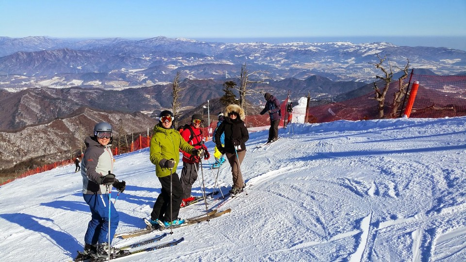 skiing-prepare-gangwon-korea-tours skiing in korea skiing in south korea best ski resorts in korea best ski resort near seoul