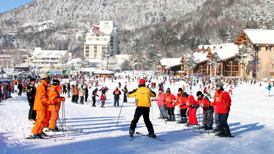 yongpyong-ski-resort-gangwon-korea-tours3 skiing in korea skiing in south korea best ski resorts in korea best ski resort near seoul