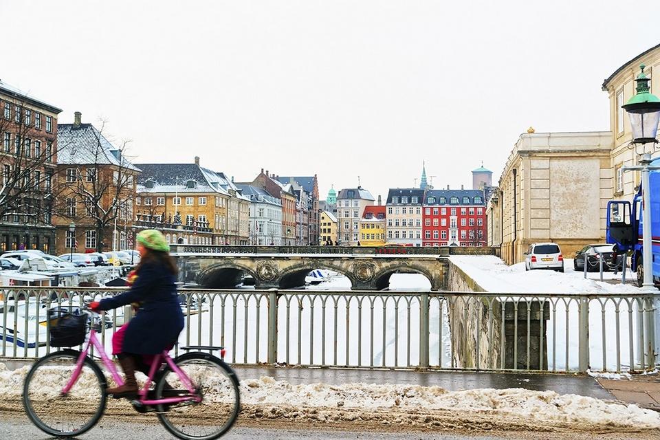 hygge street copenhagen_1050x700