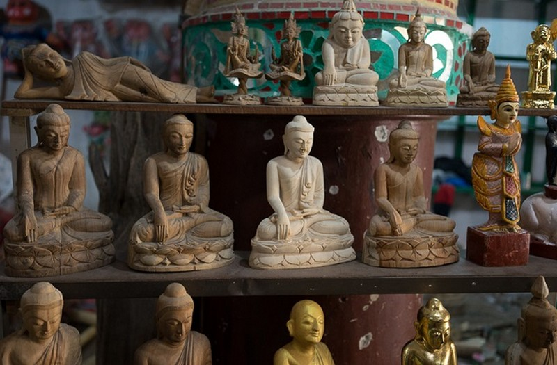 buddha statue-myanmar what to buy in myanmar best things to buy in myanmar burma souvenirs myanmar souvenirs