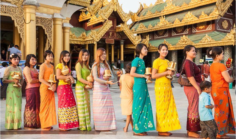 longyi-myanmar2