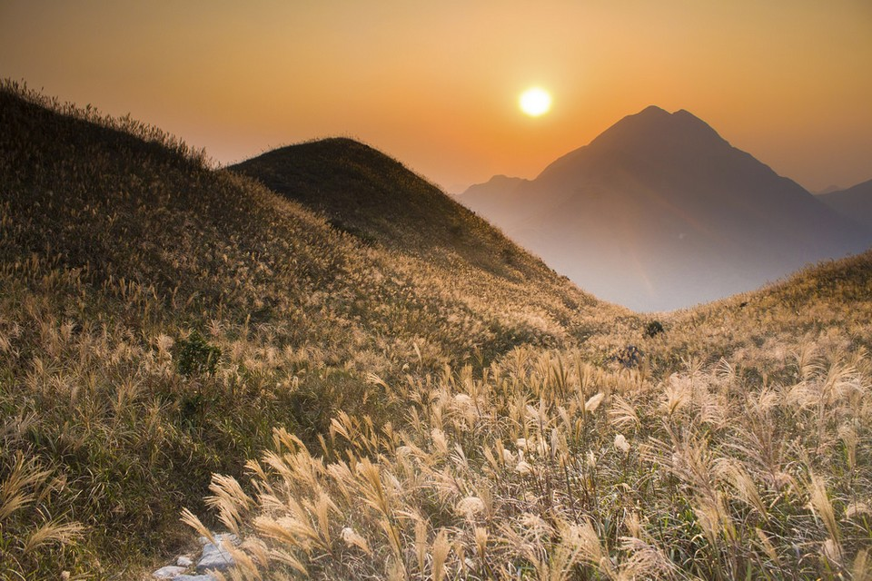 Sunset Peak hiking hong kong best hiking trails in hong kong easy hiking trails in hong kong