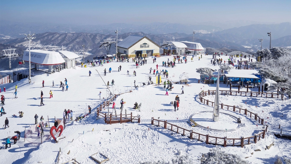 phoenixpark-Ski-Resort Photo by: where to spend christmas in europe 2017 blog.