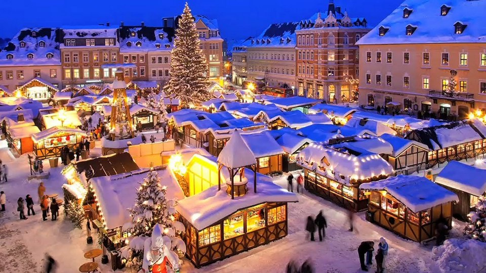 strasbourg market christmas best christmas holiday destinations best christmas towns in the world (1)
