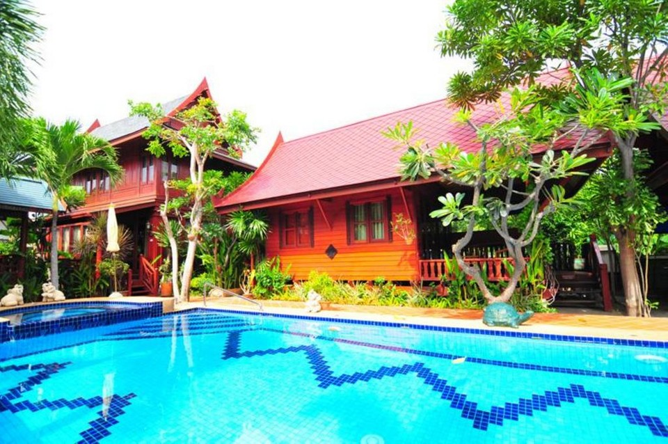 Ruenkanok Thaihouse Resort hotel to stay in Hua Hin