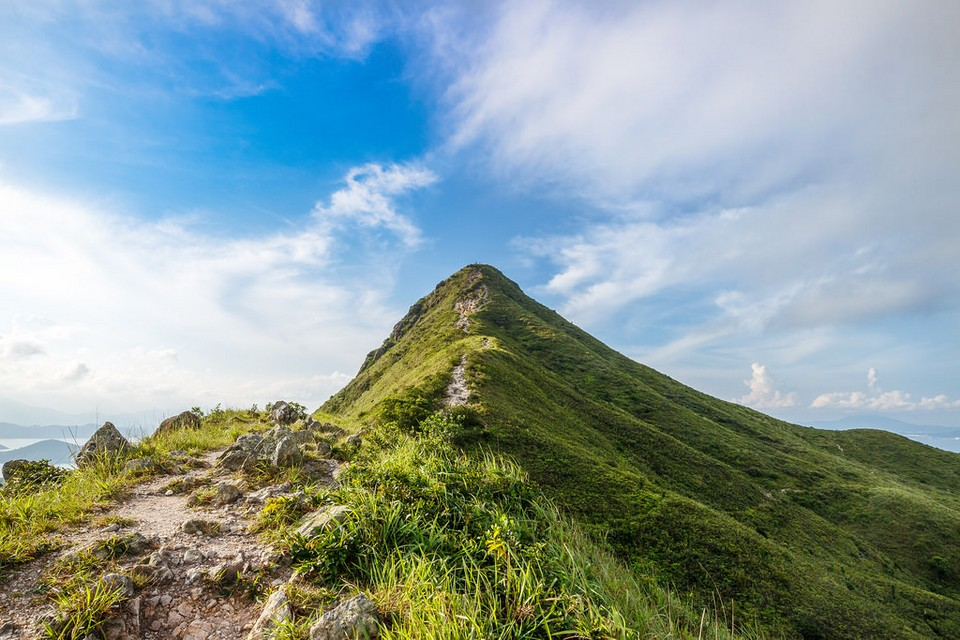 Hiking in Hong Kong — Top 6 best & easy hiking trails in