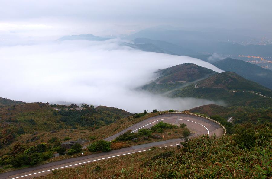 sea-of-clouds-tai-mo-shan hiking hong kong best hiking trails in hong kong easy hiking trails in hong kong