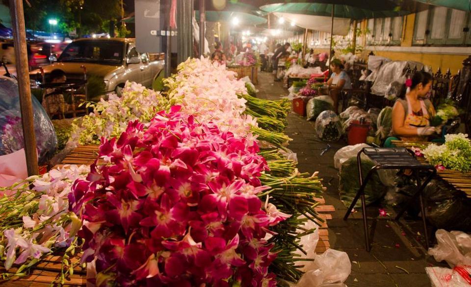 Pak-Khlong-Talat-flower-market-bangkok-tours4