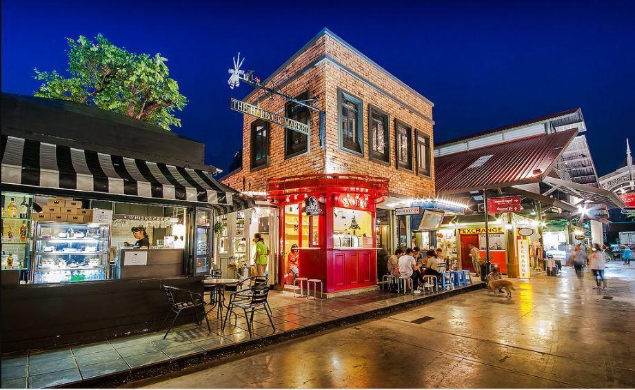 asiatique-riverfront-market-Bangkok-tours2 Image by: best markets in bangkok blog.