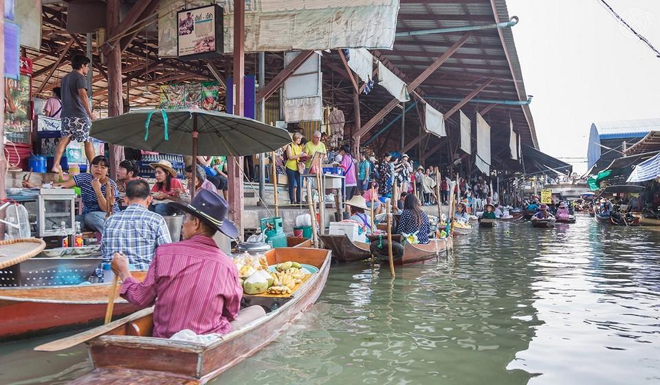 asiatique-riverfront-market-Bangkok-tours3