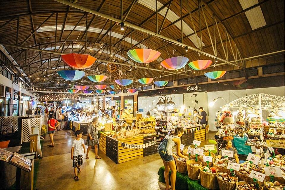 asiatique-riverfront-market-Bangkok-tours4