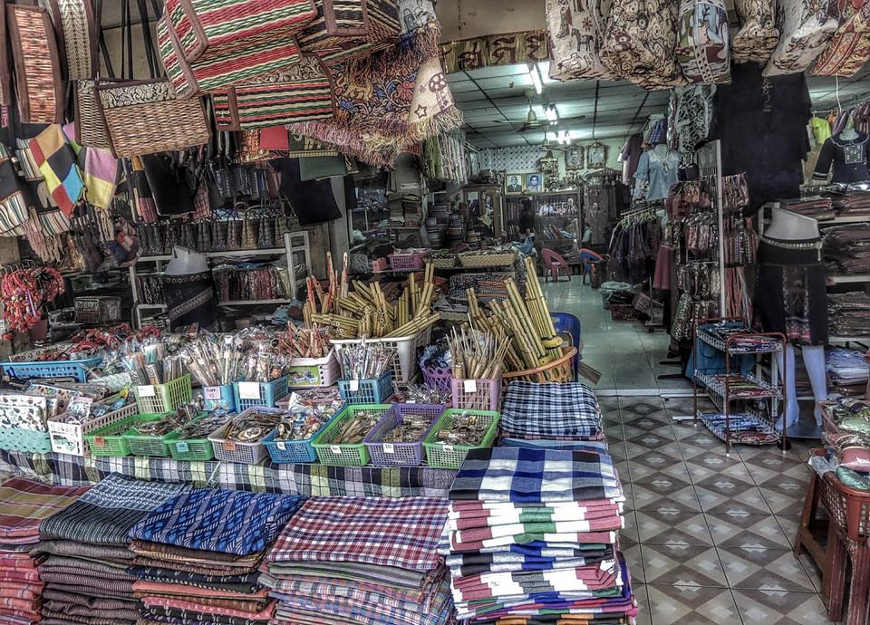 klong-thom-market-bangkok-tours1