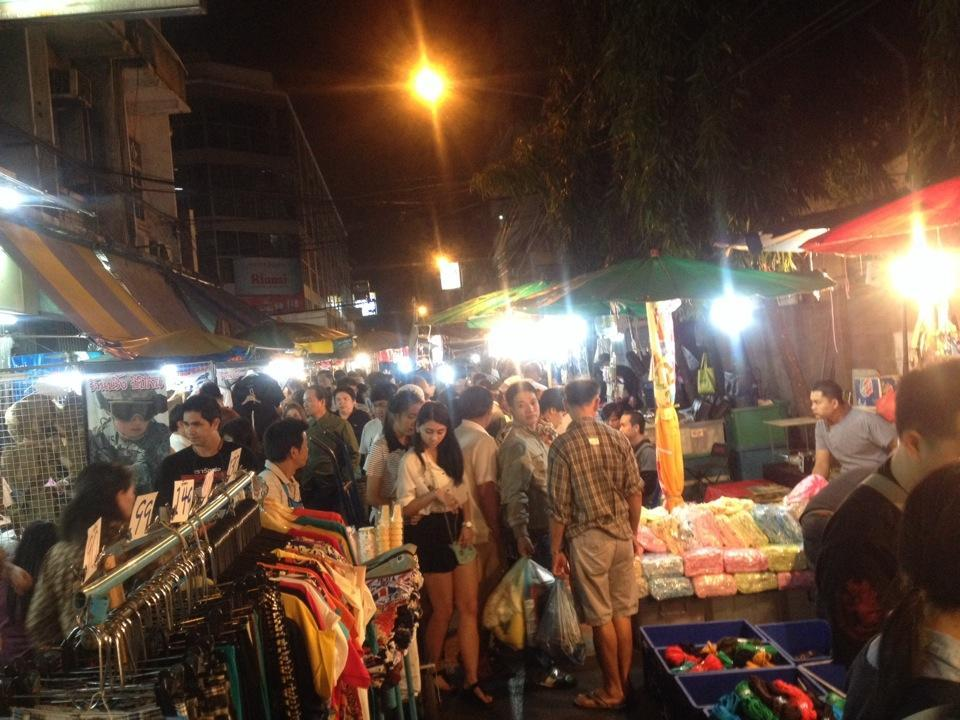 klong-thom-market-bangkok-tours4