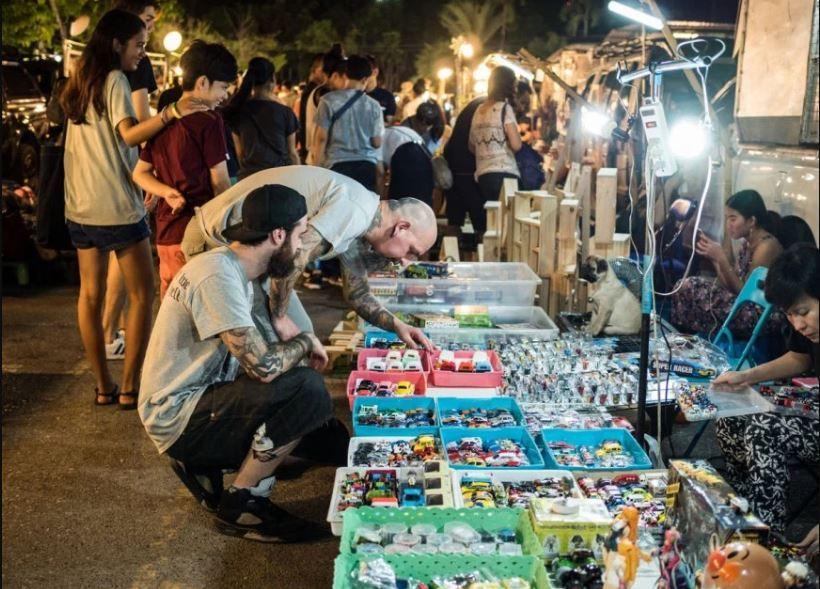 on-nut-night-market-bangkok-tours3