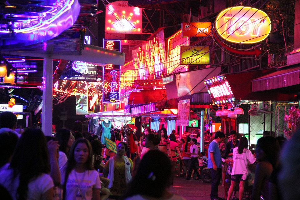 patpong-market-bangkok-tours4
