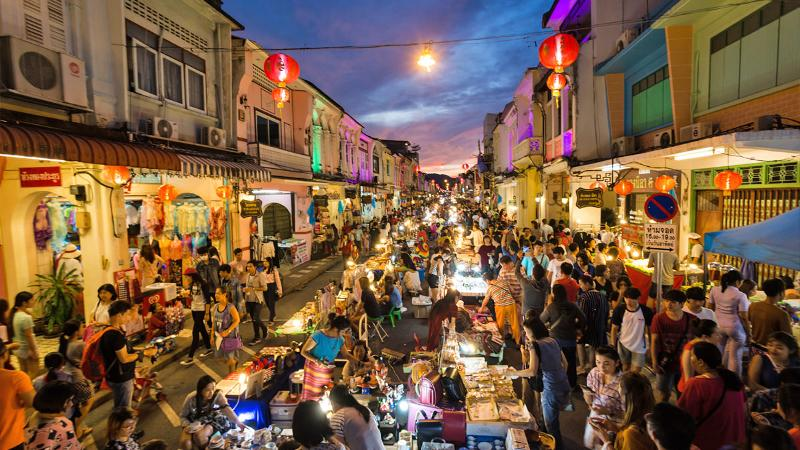 Phuket town Foto: best areas to stay in phuket blog.