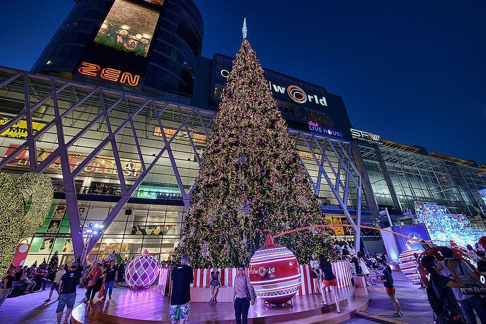 Central World shopping mall bangkok thailand1