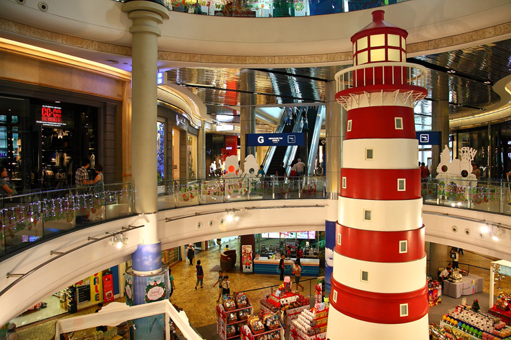 Terminal 21 shopping mall bangkok1 Image by: top shopping malls in bangkok blog.