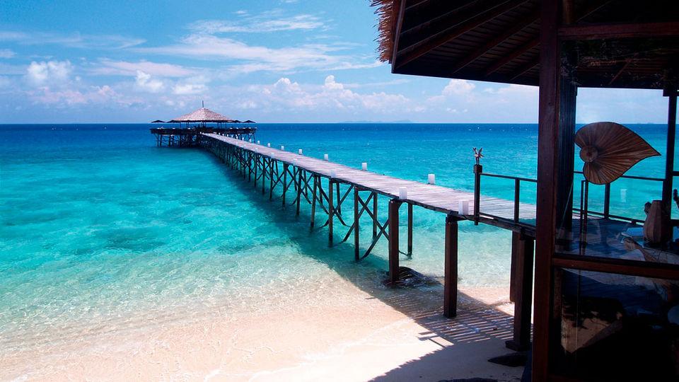 accommodation-tioman-malaysia tioman island travel blog tioman island travel guide tioman island malaysia