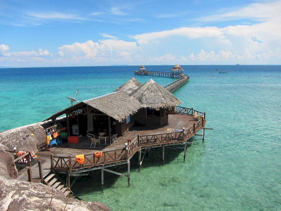 accommodation-tioman-malaysia5 tioman island travel blog tioman island travel guide tioman island malaysia