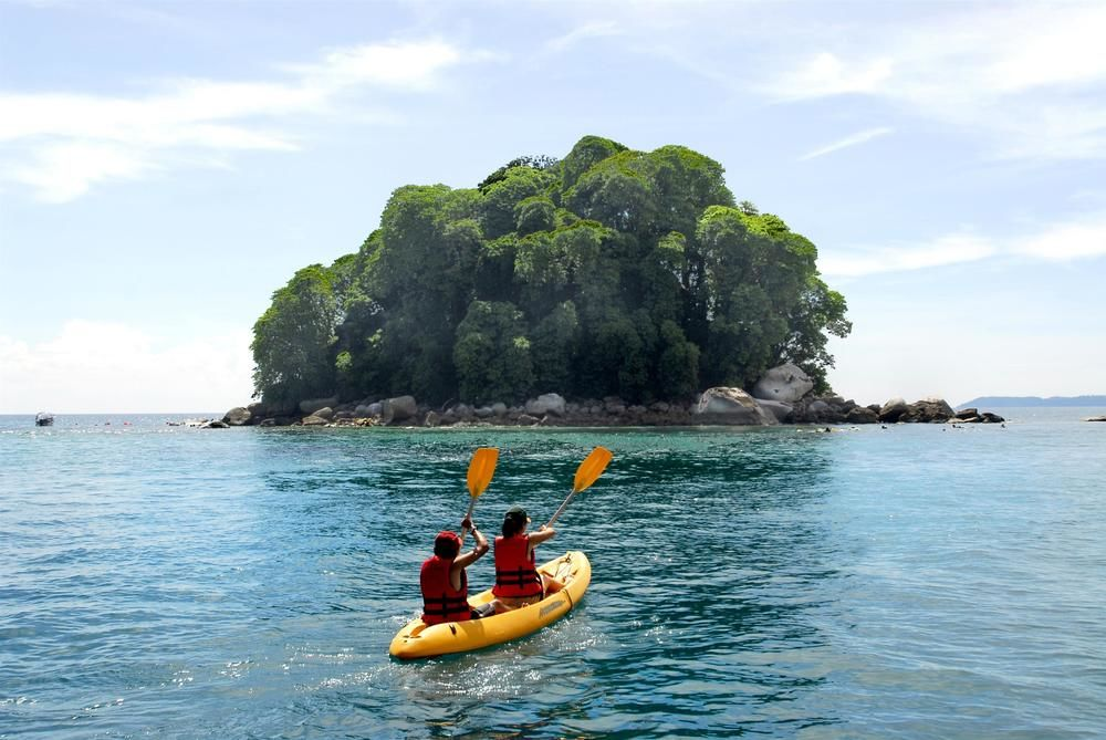 kayaking things to do in tioman island