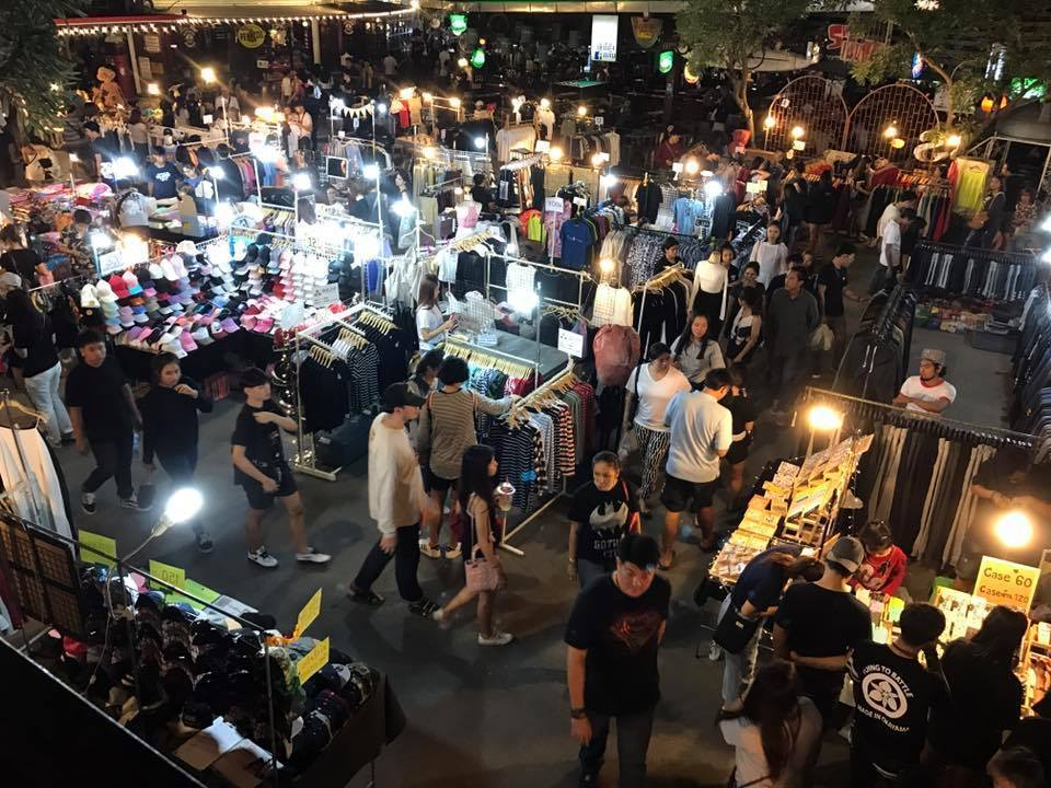 JJ Green-night market-bangkok Credit: what to do in bangkok at night blog.