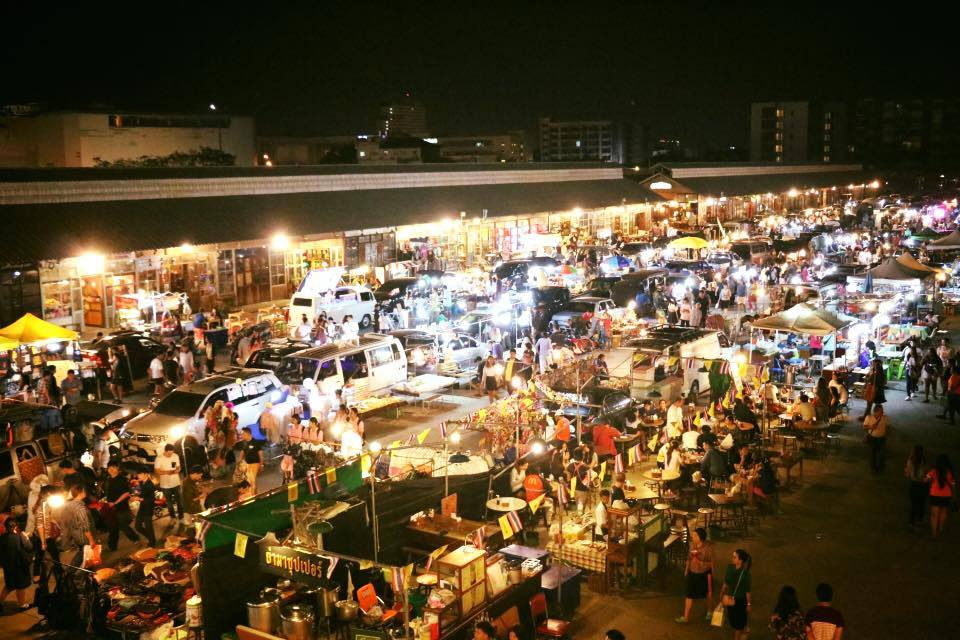 Rot Fai Train Night Market-bangkok1