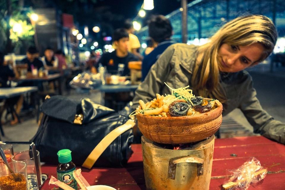 Rot Fai Train Night Market-bangkok6 top night market in bangkok best night markets in Bangkok bangkok best night market