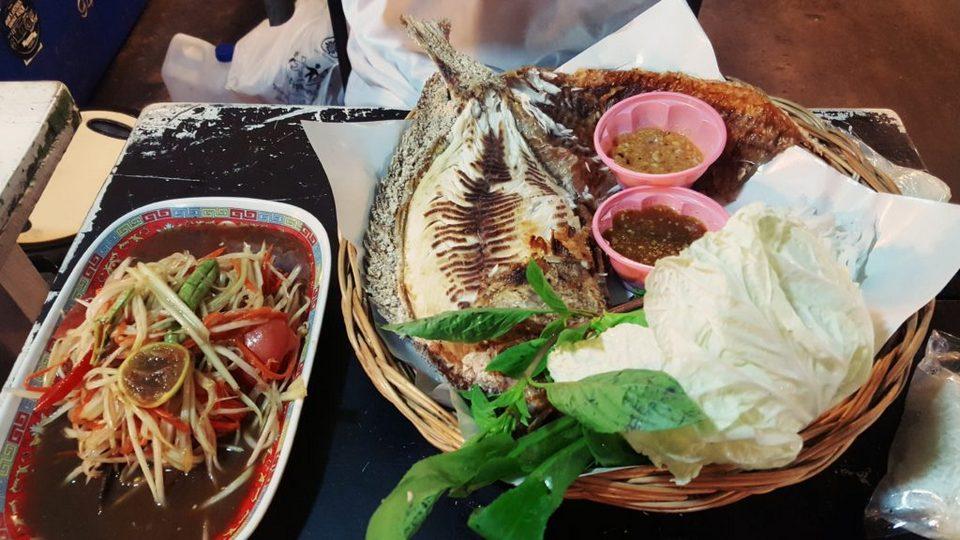 rot-fai-rachada-night market-bangkok7