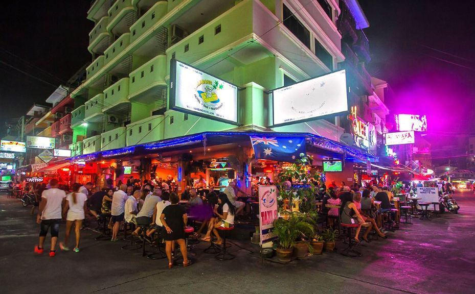 Soi LK Metro-nightlife-pattaya-thailand Image by: what to do in pattaya at night blog.