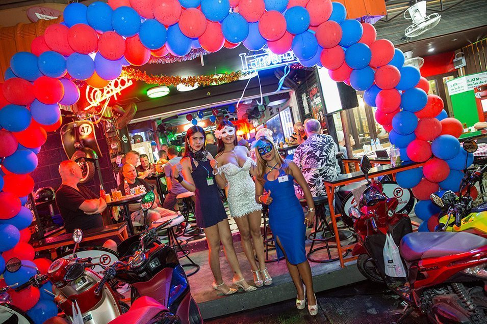 Soi LK Metro-nightlife-pattaya-thailand1 Foto: best place to stay in pattaya for nightlife blog.