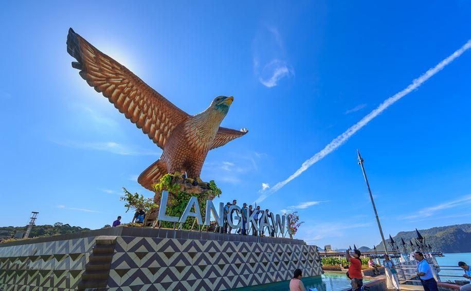 eagle-statue-langkawi-tours-malaysia