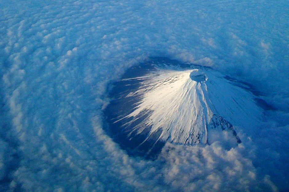 mt fuji seen from above